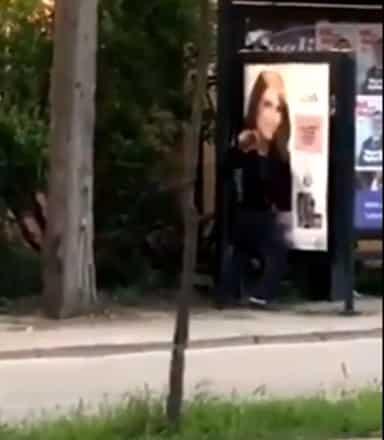 otobüs durağına tecavüz videosu