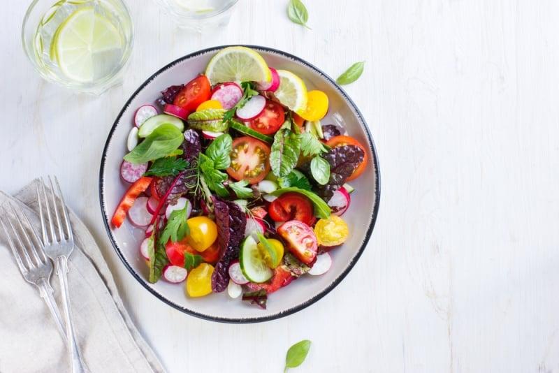 sebze salata gaz ve şişkinlik