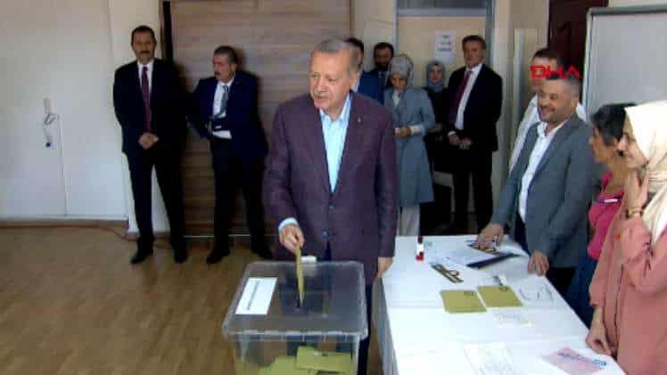 Cumhurbaşkanı Erdoğan oyunu Üsküdar'da