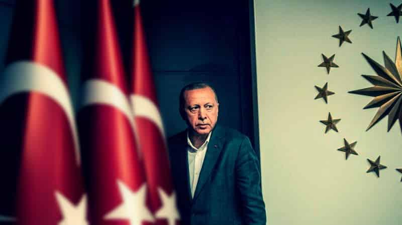 Seçimden önce kabine revizyonu için Erdoğan ikna etmeye çalışıyorlar