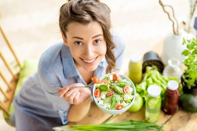 Yaz aylarında fit bir vücut için sağlıklı beslenme önerileri
