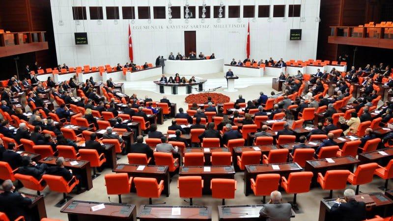 CHP, parlamenter sisteme geri dönülmesi için çalışmalara başlıyor