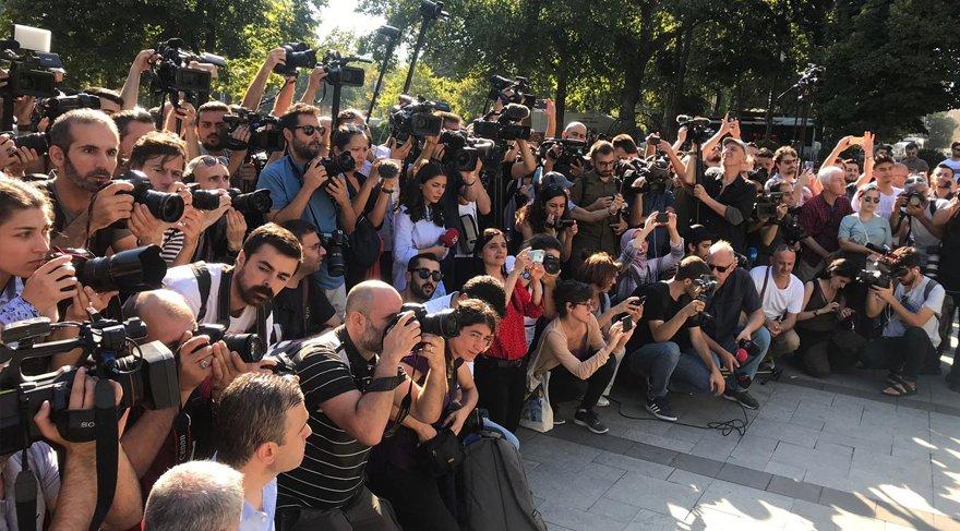 istanbul suriyeli eylemi protesto arbede türk yabancı basın mensupları