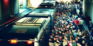 Metrobüslerde İmamoğlu üzerinden vatandaşı cezalandırıyorlar iddiası