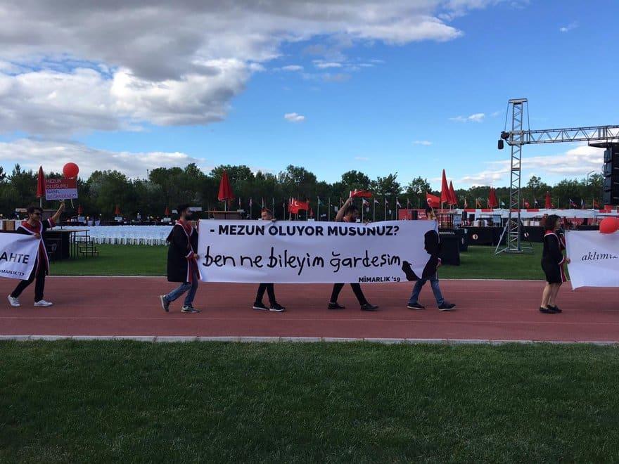 odtü mezuniyet pankartları