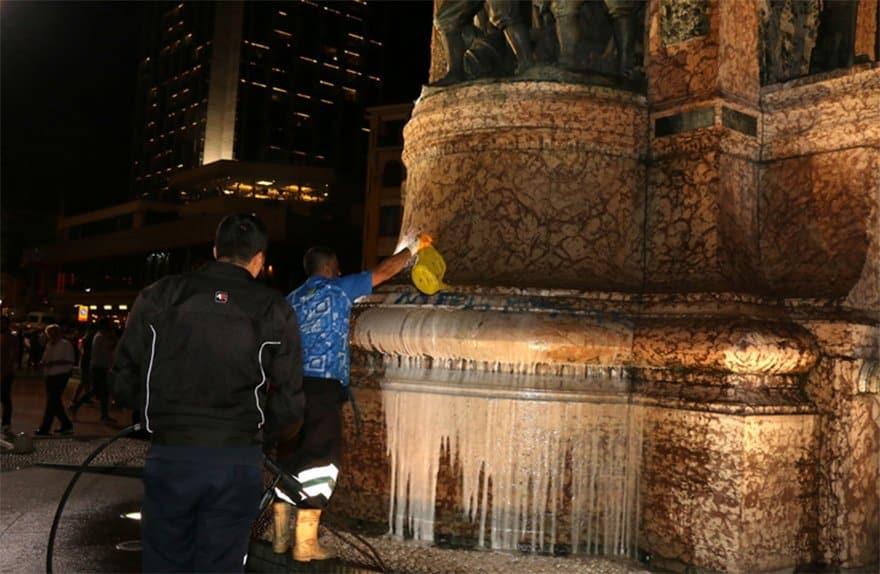 taksim cumhuriyet anıtı sprey boya mehmet yazıldı
