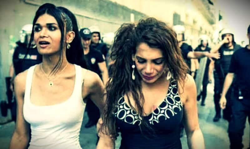 Transfobik Baskı: Hande Kader yakıldı, Didem Akay intihar etti