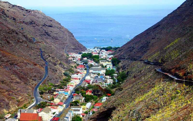 Saint Helena dünyanın en az nüfuslu ülkeleri