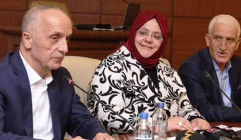 Türk İş Başkanı mikrofonu açık kalınca skandal ortaya çıktı!