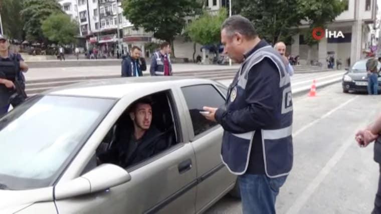 Araçta sigara cezası uygulanmaya başlandı: 153 TL ceza kesildi!