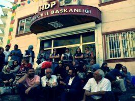 Diyarbakır Anneleri IN - Cumartesi Anneleri OUT