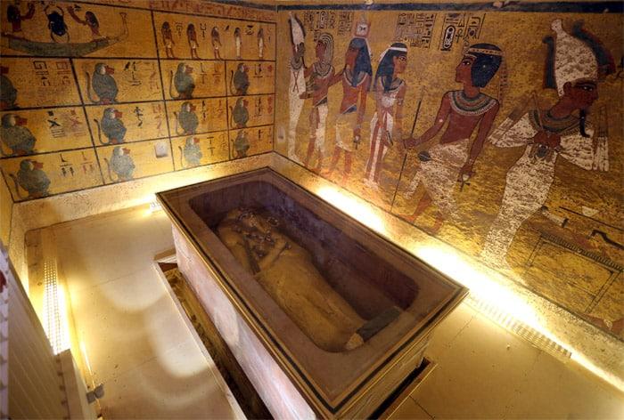 antik mısır firavun tutankamon tutankhamon tutankamun laneti mezarı tabutu