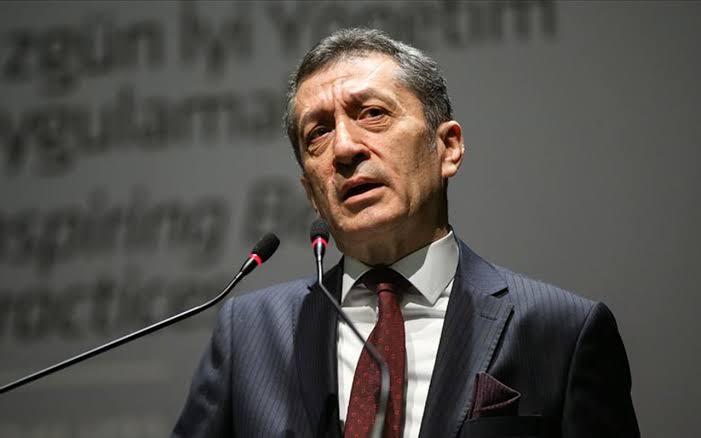 Milli Eğitim Bakanı Ziya Selçuk: İmam hatipler vicdan ile liyakatin bilim ve teknolojiyle birleştiği yerlerdir