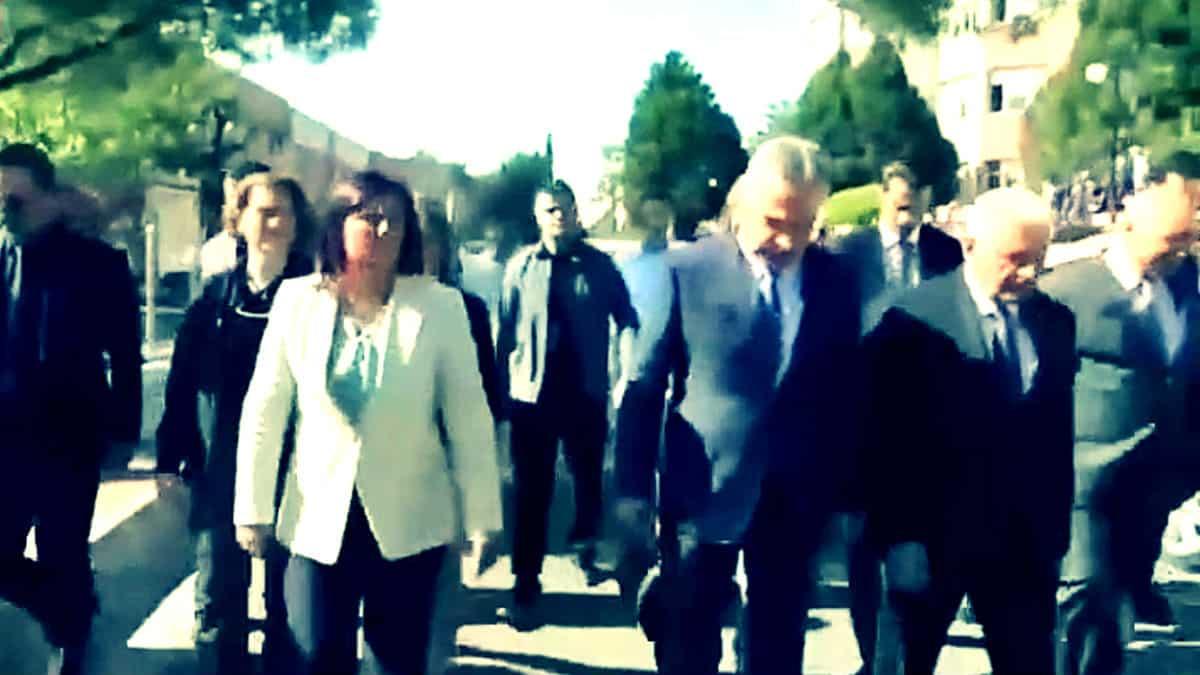 AKP milletvekili savaş binali yıldırım öne geçmek için CHP li Aydın Belediye Başkanı özlem Çerçioğlu nu itti