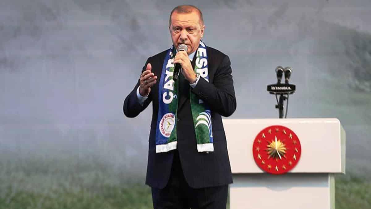 Erdoğan: Sigara haramdır, Diyanet İşleri Başkanımız da söyledi