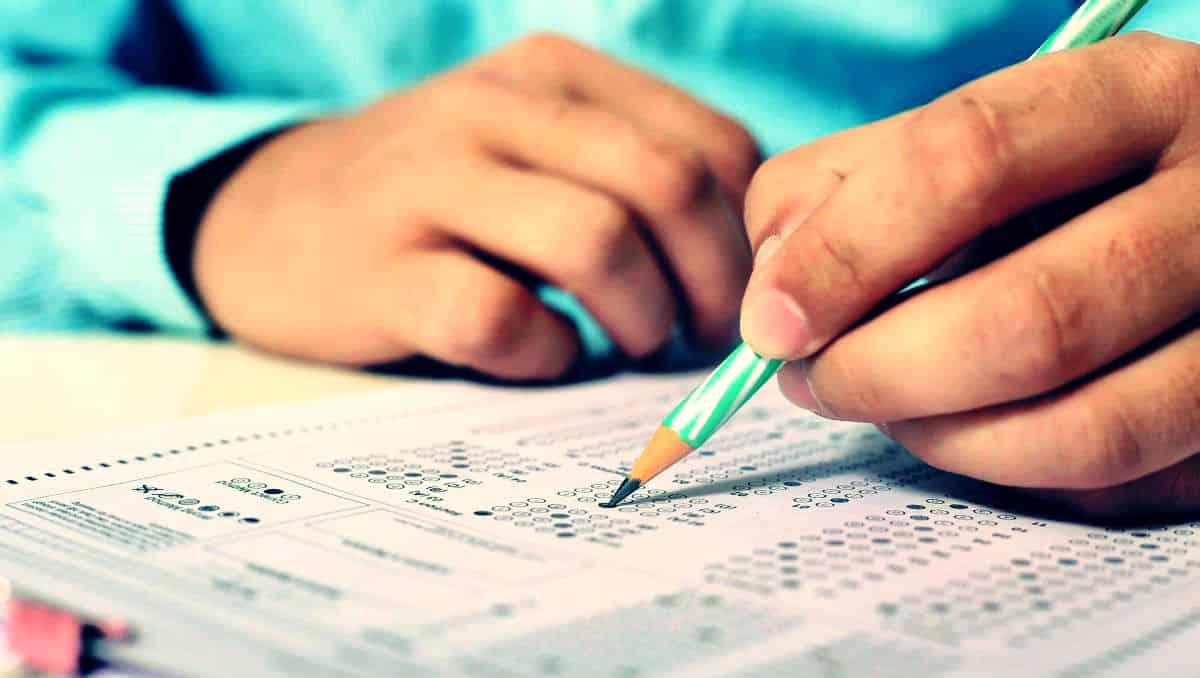 Türkiye de her beş öğrenciden biri lise 1 de sınıfta kalıyor!