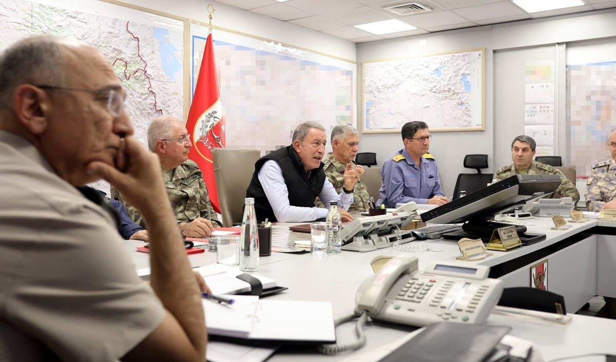milli savunma bakanı hulusi akar barış pınarı harekatı komuta merkezi