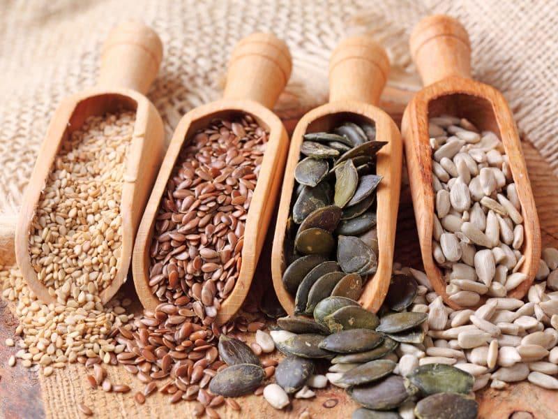 bitkisel yağ bulunan gıdalar zeytin, ayçiçeği, susam, pamuk çekirdeği, ceviz, fındık, fıstık, soya fasulyesi ve mısırdır.
