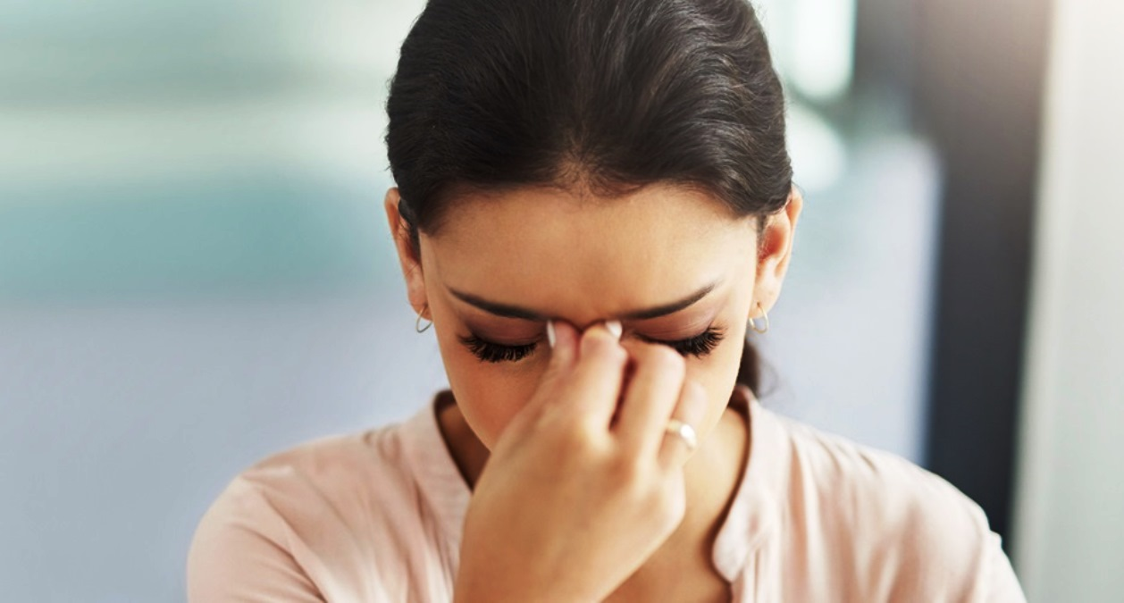 Baş ağrısı beyin tümörü belirtisi olabilir mi?