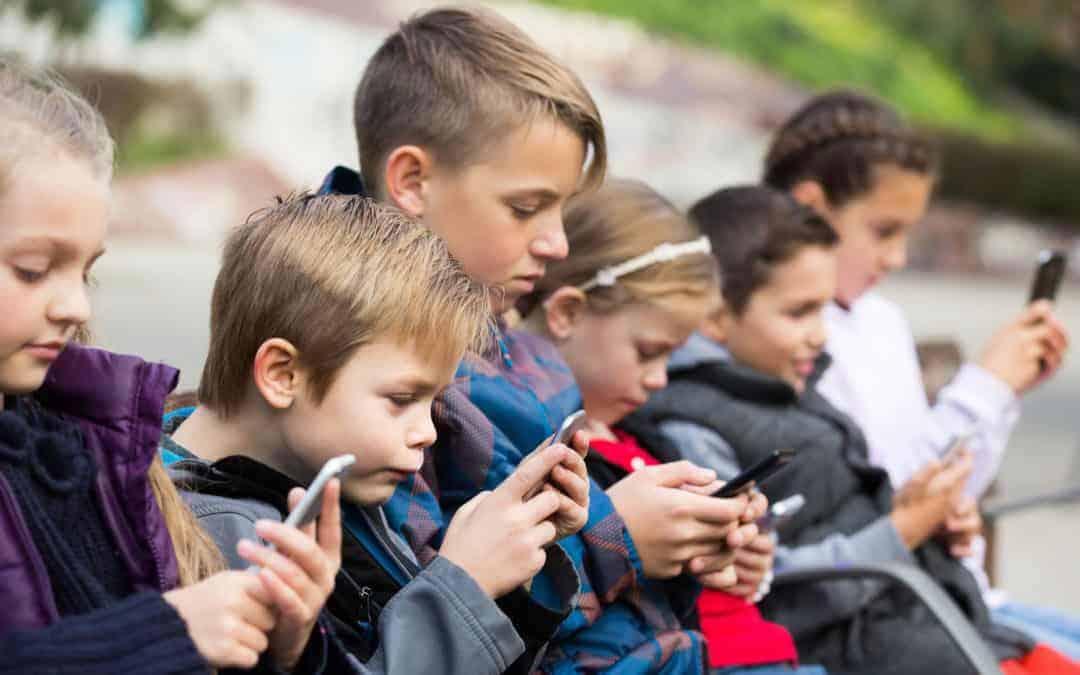 çocuklar sosyal medya internet tehlikesi