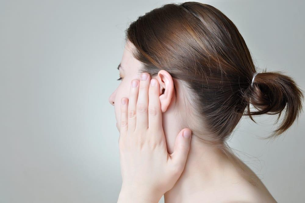 Dış kulak iltihabı belirtileri neler? Kulağınızı iyice kurutun! kulak damlası