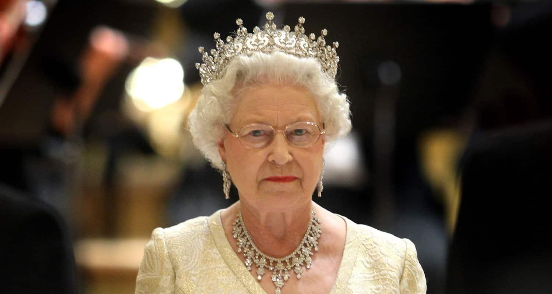 Kraliçe Elizabeth tahtı oğlu Charles bırakıyor