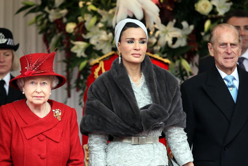 Şeyha Moza Arap dünyasının moda ikonu kraliçe elizabeth