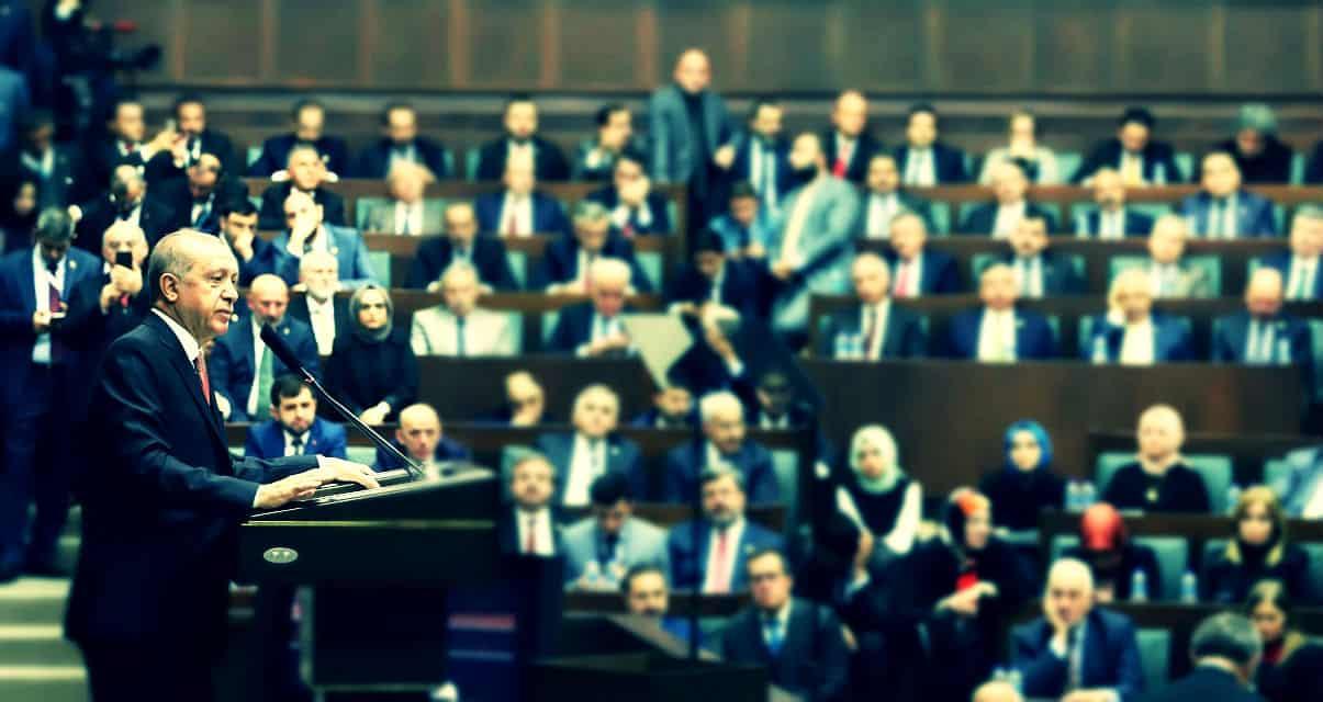 AKP milletvekilleri, kendi verdikleri teklifin Erdoğan tarafından veto edilmesine minnettar