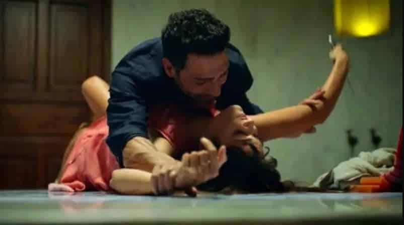 Azize dizisinin ilk bölümünde cinsel istismar sahnesi yer almıştı.