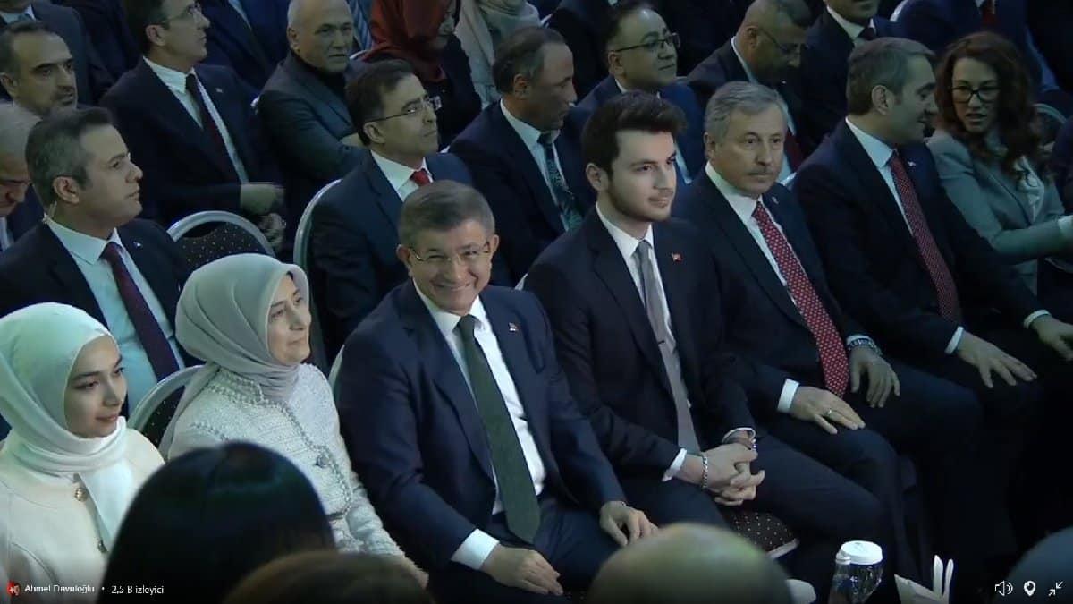 ahmet davutoğlu gelecek partisi kurucular kurulu