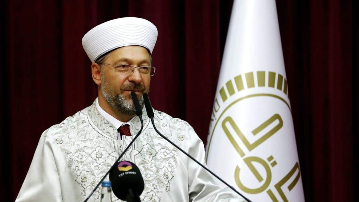 Diyanet İşleri Başkanı: Koronavirüsün son bulması için yatsı ezanı sonrası camilerden dua edilecek