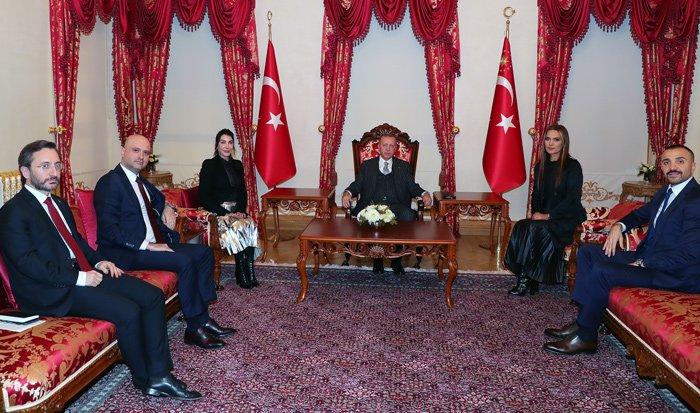 Erdoğan, Hande Yener ve Demet Akalın'ı kabul etti