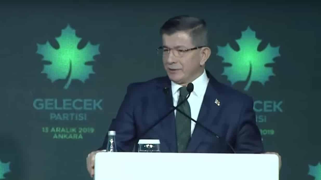 Gelecek Partisi kuruldu: Davutoğlu ndan laiklik ve parlamenter sistem vurgusu