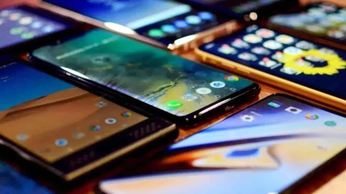 Cep telefonlarına yeni vergi: Yüzde 1 lik ek kesinti uygulanacak