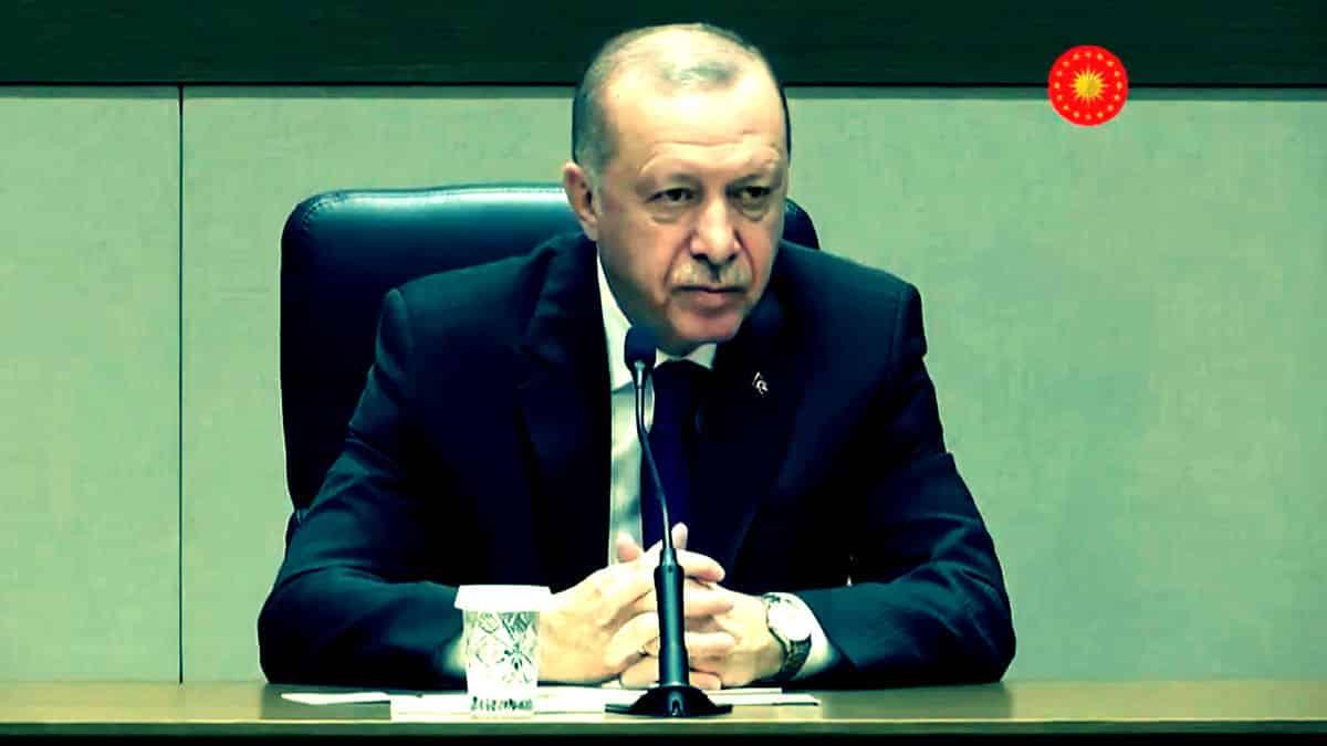 Erdoğan: Sosyal medyada insanı tahrik eden ahlaksızca paylaşımlar var