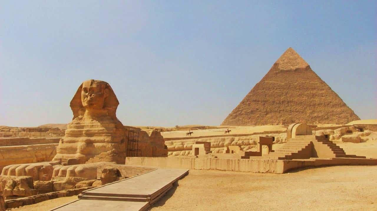 mısır piramitleri giza keops kefren mikerinos