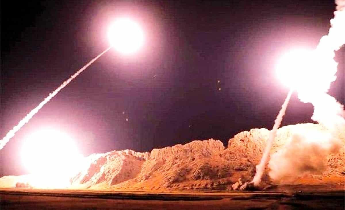 İran'ın yarı resmi Fars Haber Ajansı, saldırıya dair görüntüler yayınladı.