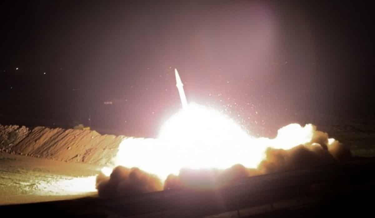 İran, Irak ABD hava üssünü füze saldırısı ile vurdu