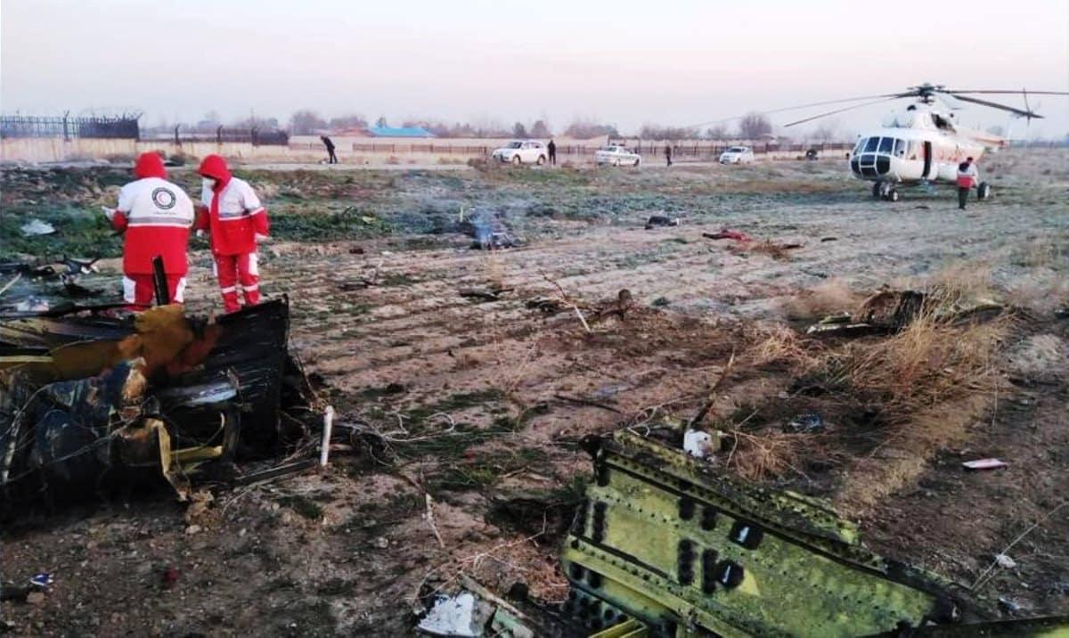 İran Kiev giden Ukrayna Havayolları uçağı düştü