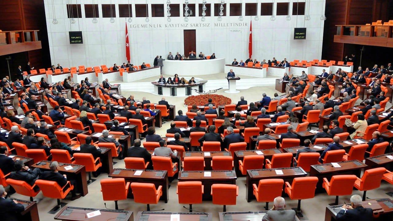 Libya Tezkeresi Meclis ten AKP ve MHP oylarıyla geçti