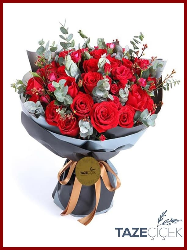 Sevgilinizi her anında mutlu etmenin en hızlı yolu özel tasarım çiçek