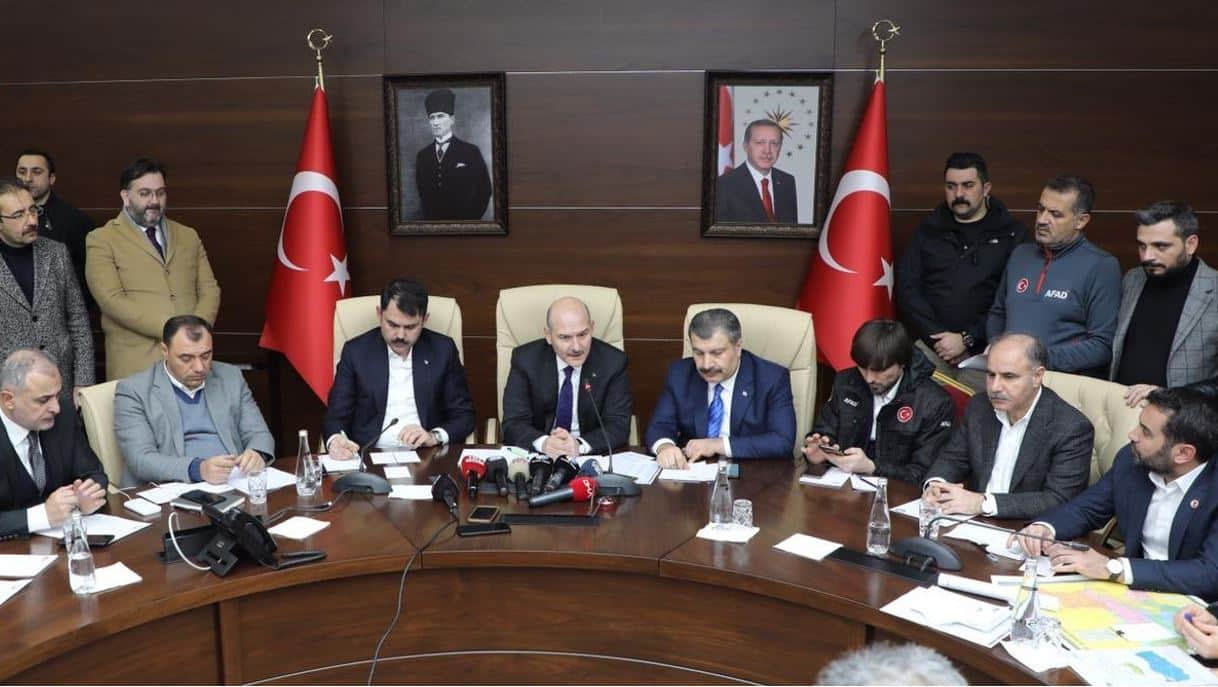 Soylu: Türkiye nin deprem konusundaki yeterliliğini tartışmaya açmak, bu saatte yapılabilecek insanlık dışı bir davranıştır