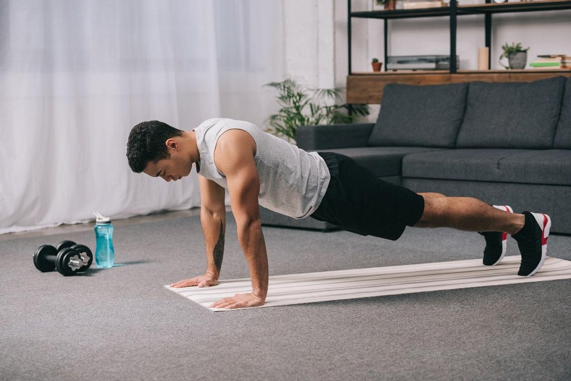 Forearm plank (60 saniye) Egzersizi