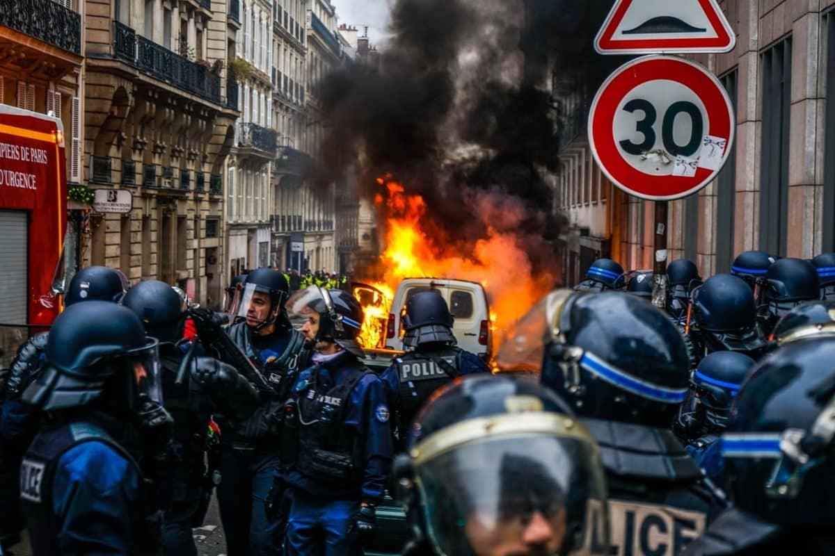 2020 de dünyada ekonomik ve siyasi kutuplaşmalar: İşte en önemli riskler!