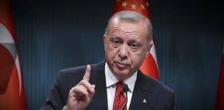 Erdoğan AKP li vekillere: En az 3 çocuk diyorum, tek çocukta kalıyorsunuz!