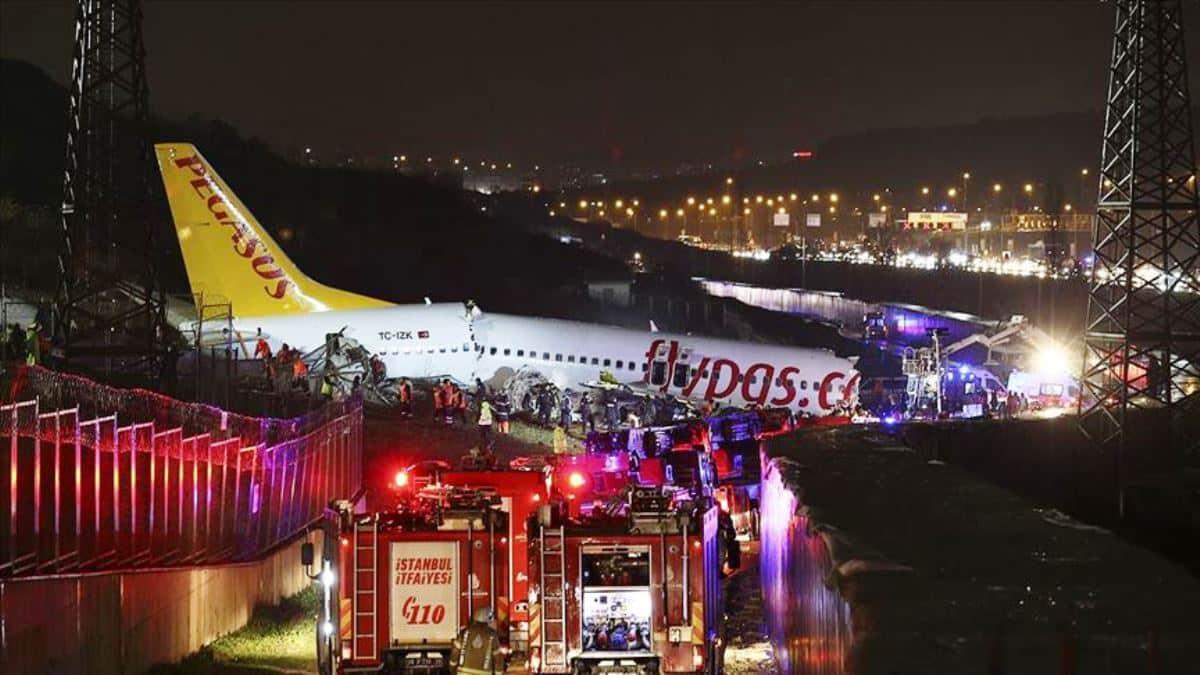 Uçak kazasında 1 kişi hayatını kaybetti, 157 kişi yaralandı