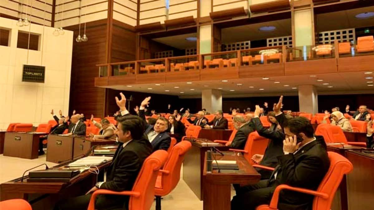 Corona virüsü tedbirleri araştırma önergesi AKP ve MHP oylarıyla reddedildi!