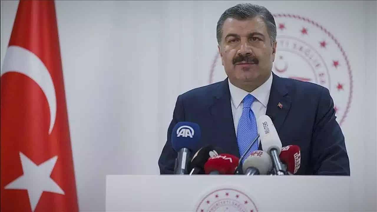 Fahrettin Koca: Türkiye de hayatını kaybeden hasta sayısı 3 oldu