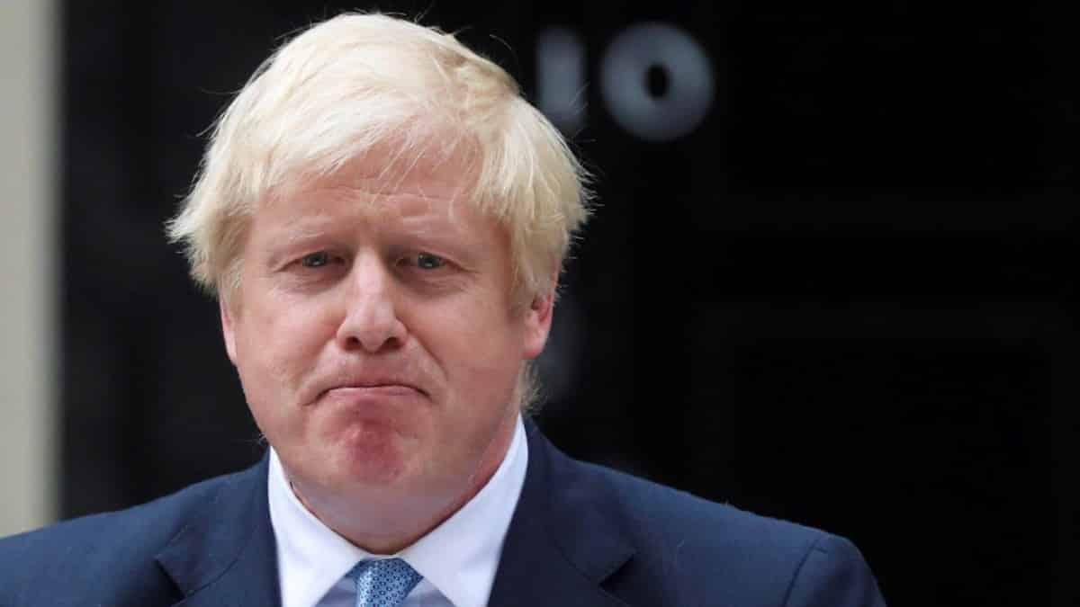 İngiltere Başbakanı Boris Johnson corona virüsü tespit edildi!