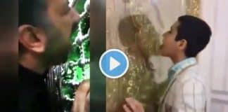 İran da koronavirüsten korunmak için türbe demirlerini yalıyorlar!